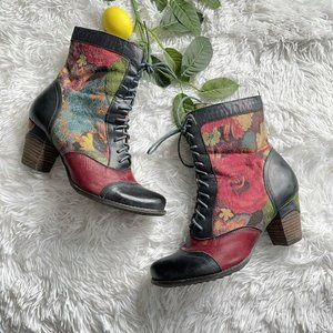 L'Artiste by Spring Step Size 39 Floral Boots